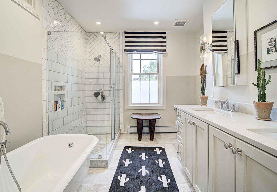 422 green Street bathroom
